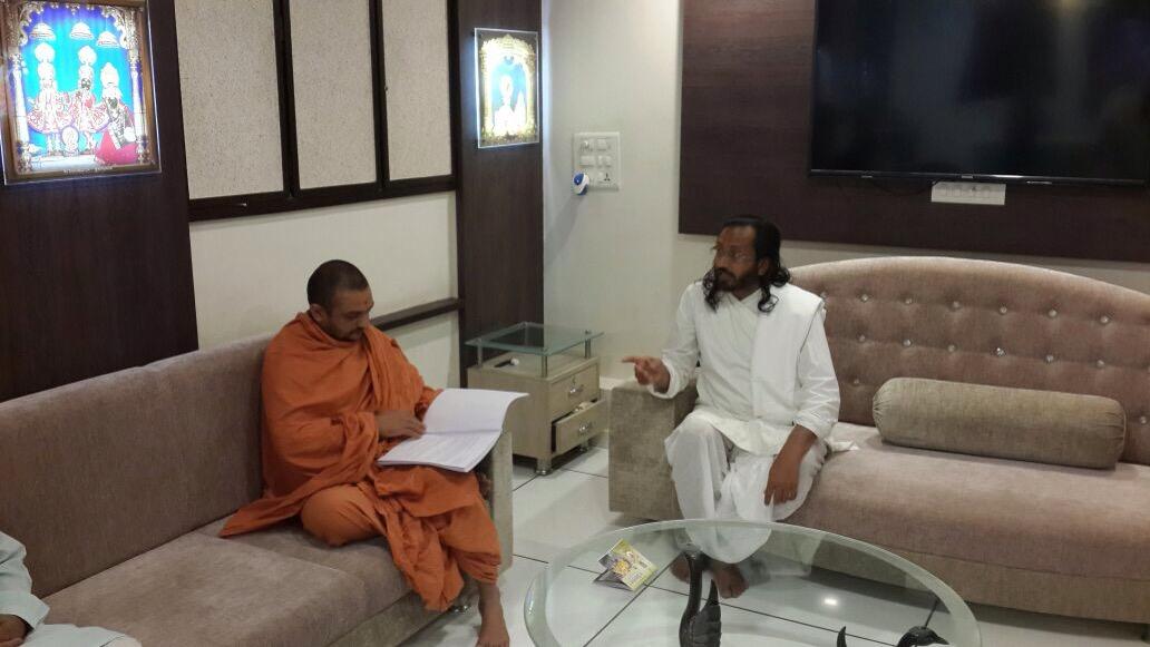 Swami Narayan Sampradaya Extended Support For Yamnua Muktikaran Abhiyan